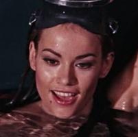 Domino Derval (Claudine Auger)