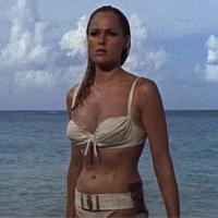 Honey Ryder (Ursula Andress)