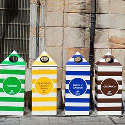 Criar um slogan artístico para todas as latas de lixo reciclável de seu bairro