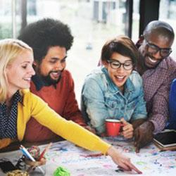 Liderar reuniões com os vizinhos para fazer um brainstorming de possíveis soluções